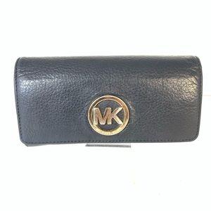 Micheal Kors Fulton Carryall Wallet